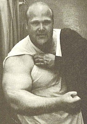 Tajemný Chuck Ahrens (2)