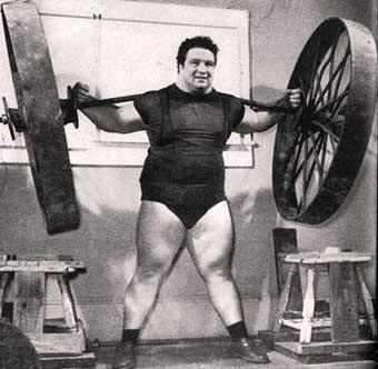 Historie síly: Nadhoz 200 kg (2)