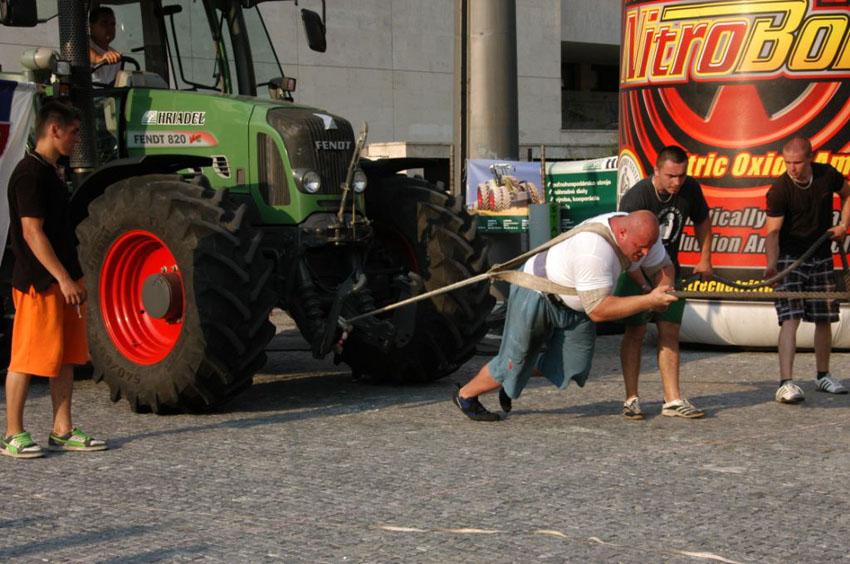 salata-traktor.jpg
