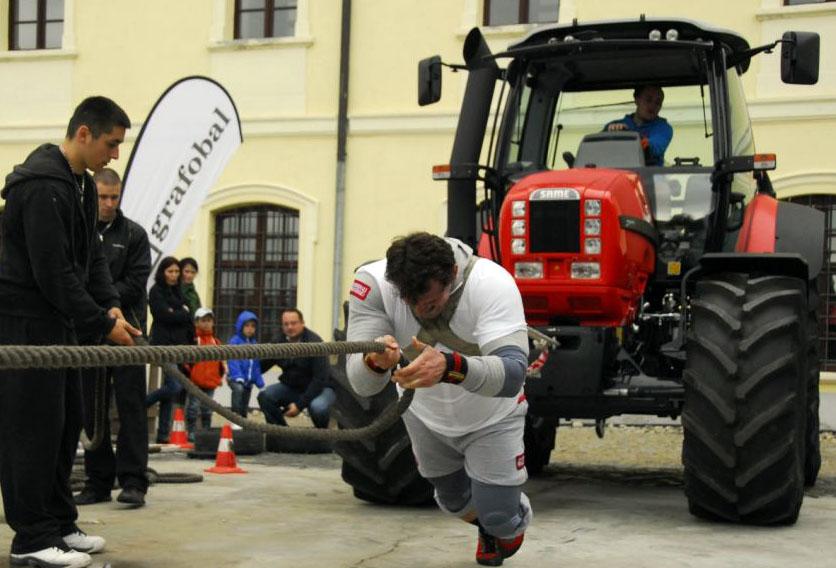 datelinka_traktor.jpg
