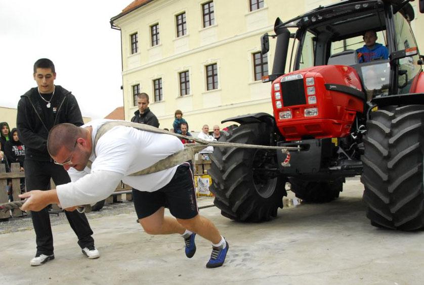 petrik_traktor_copy.jpg