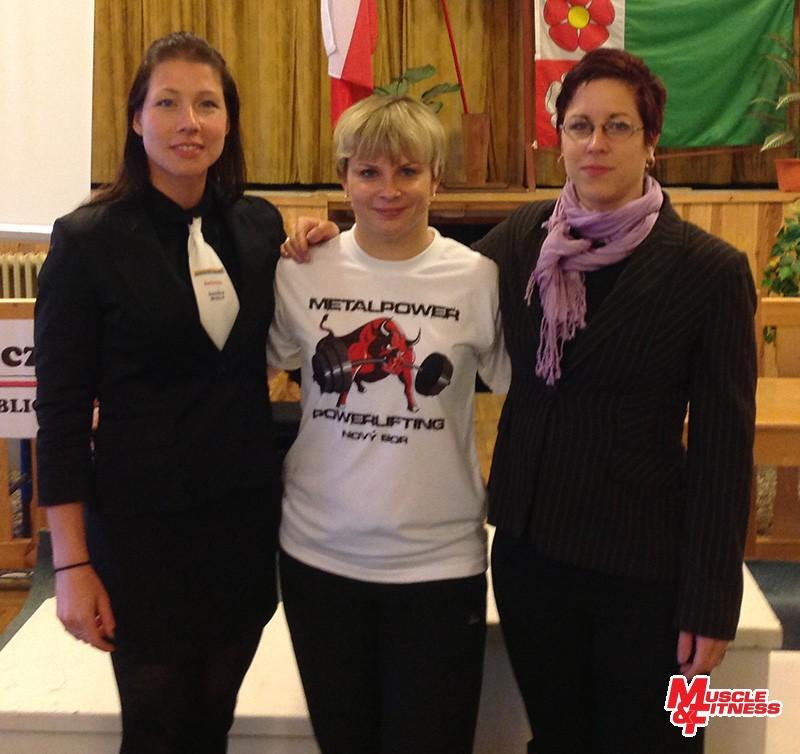 Mezinárodní rozhodčí a závodnice Sandra Mokrá, Monika Rovná a Michaela Týnková.