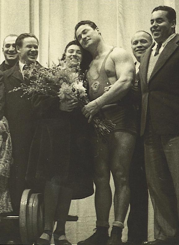 Jakov Kucenko a Paul Anderson MS 1946 Paříž