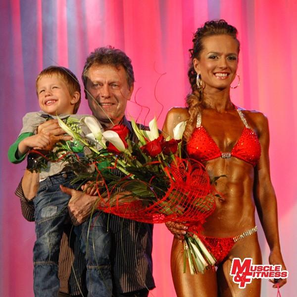 Promotéri VC Nitry v naturálnej kulturistike a fitness 2013 Ján Plandor a Katarína Plandorová (so synom Samkom).