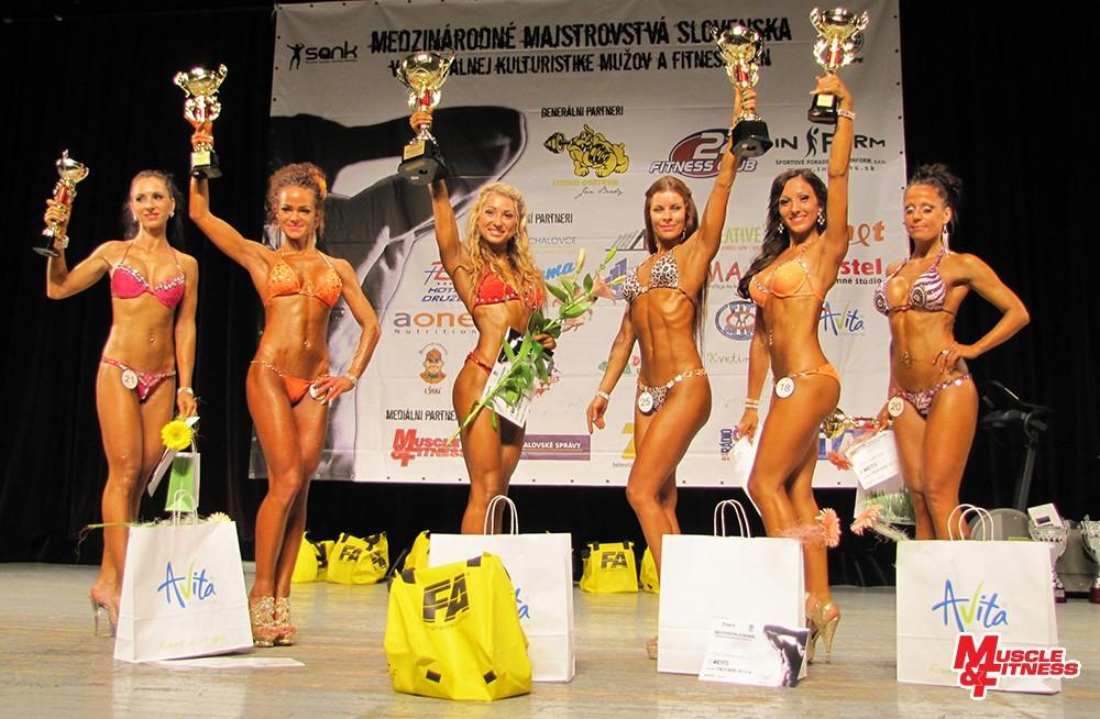 Fitness model do 170 cm: 5. Bujdošová, 3. Takácsová, 1. Žigalová, 2. Kompasová, 4. Gargalíková, 6. Kukanová.
