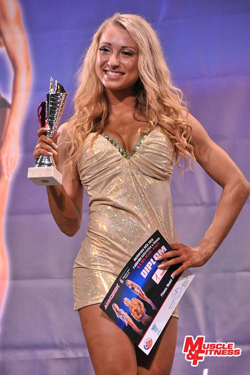Miriam Žigalová (SR), vítězka kategorie fitness model do 168 cm a druhá v klasickém fitness.