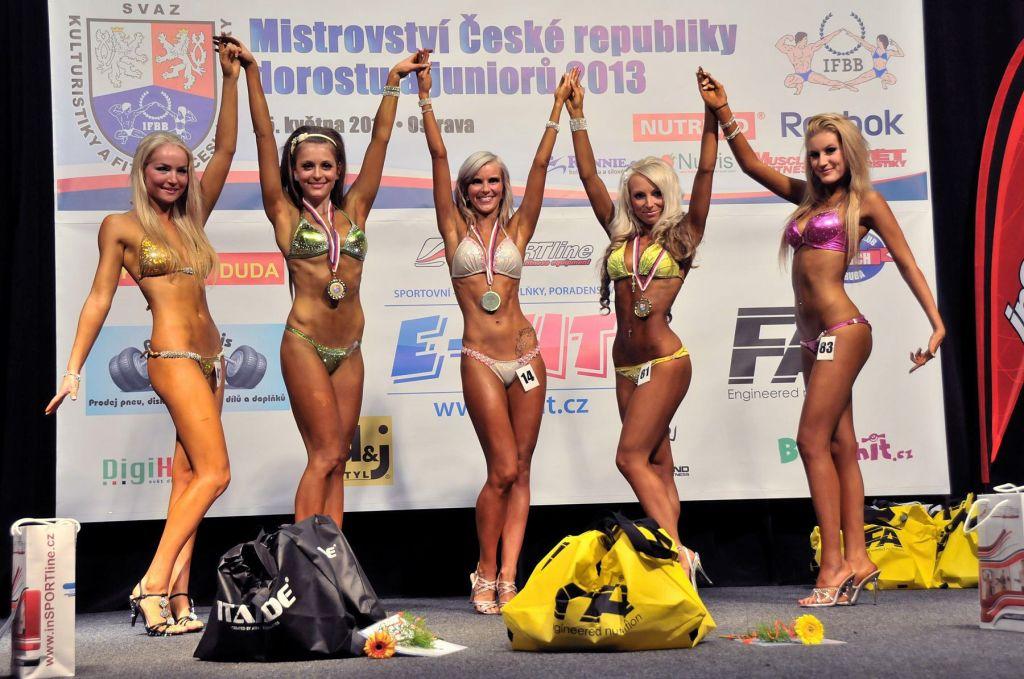 Bikini fitness – juniorky: 4. Jánská, 2. Simkovičová, 1. Šenkeříková, 3. Křepinská, 5. Srbková.