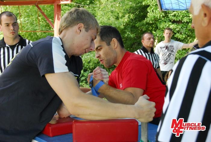 Stupne víťazov v kategórii masters I do 83 kg (zľava): 3. Kotzot, 1. Decoueur, 3. Slíž.