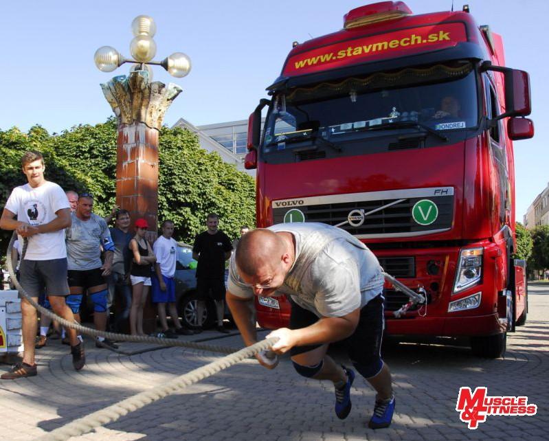Igor Petrík (ťahanie kamióna)