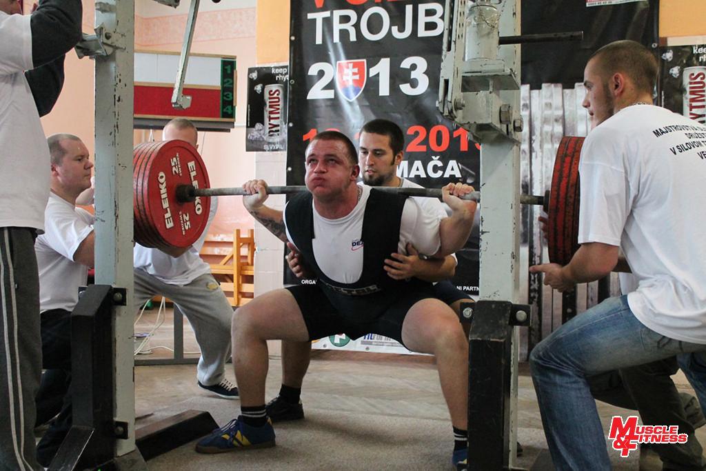 Ákos Labát (drep 320 kg)