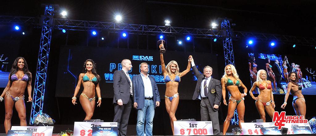 EVL´s Prague Pro Women´s Bikini – druhá zleva Weiterová, třetí Krásová.