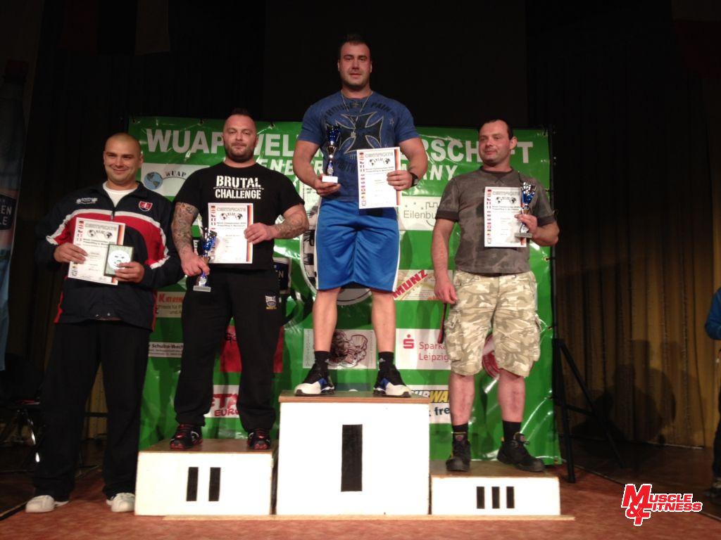 Petr Bolf, benčpresem 307,5 kg vítěz kategorie open do 110 kg.