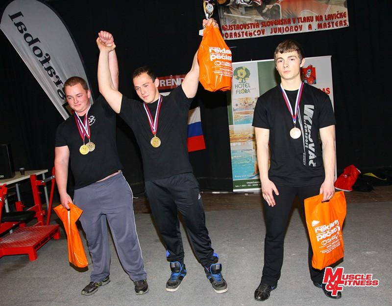 Absolútne poradie v súťaži dorastu (zľava): 2. Matej Repáň, 1. Filip Semančík, 3. Marek Žiško.