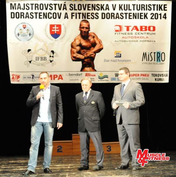 Slávnostné otvorenie: primátor mesta Peter Antal, riaditeľ súťaže Anton Tabernaus, moderátor Dalibor Biro.