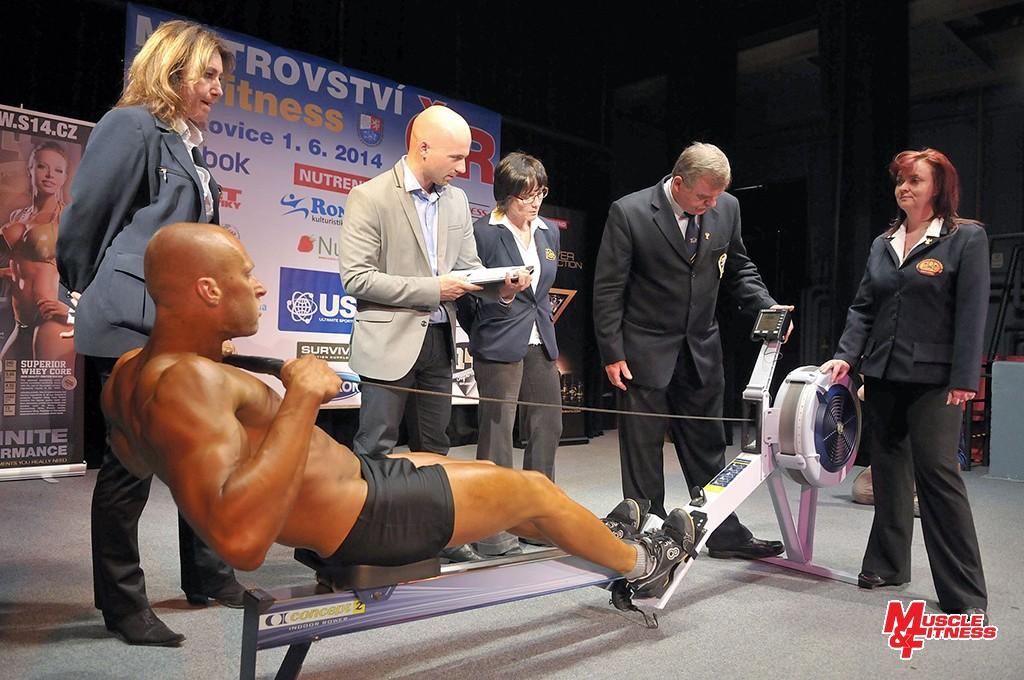 V atletickém fitness se vedle postavy hodnotil také výkon v disciplinách, jako jsou shyby ba hrazdě, kliky na bradlech a veslování na trenažéru.