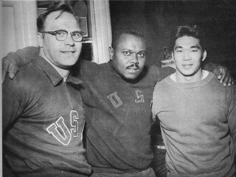 Davis uprostřed,Shemanski,Kono
