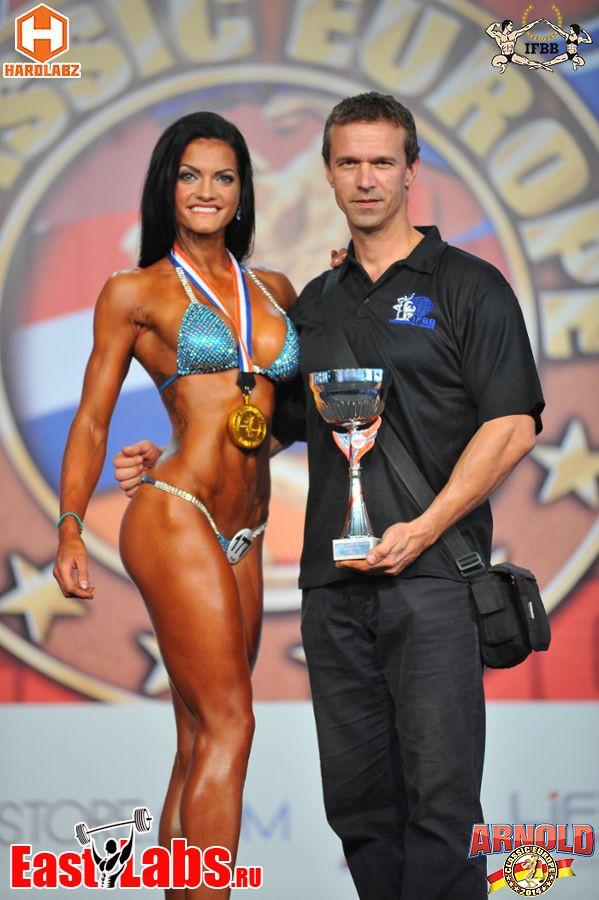 Zlatá Olívia Pohánková so svojím trénerom Pavlom Korpášom.
