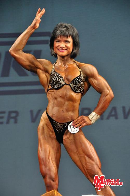Vítězka physique ženy Alina Čepurniene.