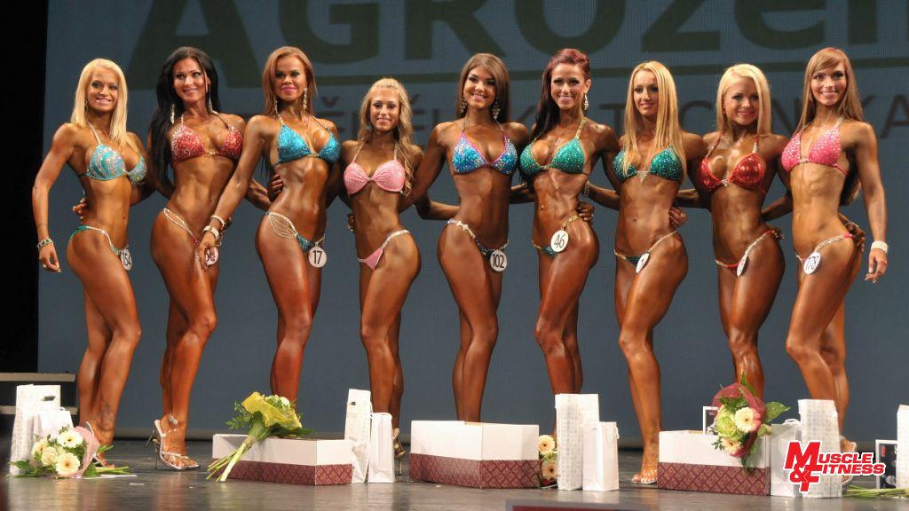 Bikini fitness – superfinále: Brutenič (8.), Slívová (6.), Nuut (4.), Gestauaite (2.), Narbutaityte (1.), Reimets (3.), Načeva (5.), Kodadová (7.), Šafářová (9.)