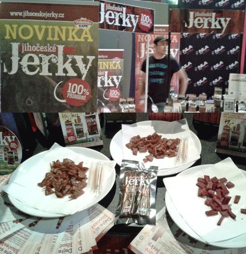 Juhočeské Jerky - sušené mäso. Zľava kapor, bravčové, hovädzie.