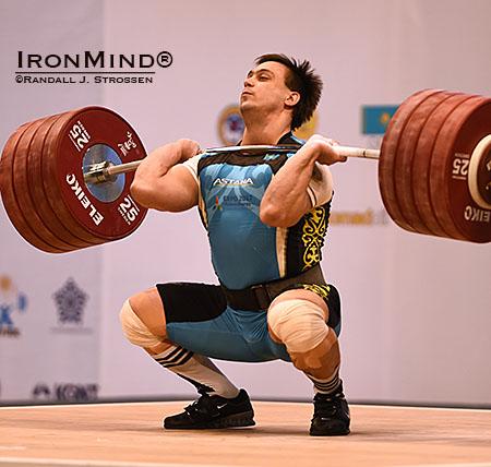 Hvězda šampionátu Iľja Iľjin z Kazachstánu.