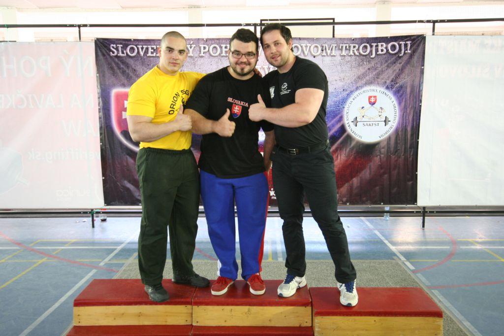 Trio úspešných pretekárov: Lukáš Škríb, Róbert Valach, Dominik Olexa.
