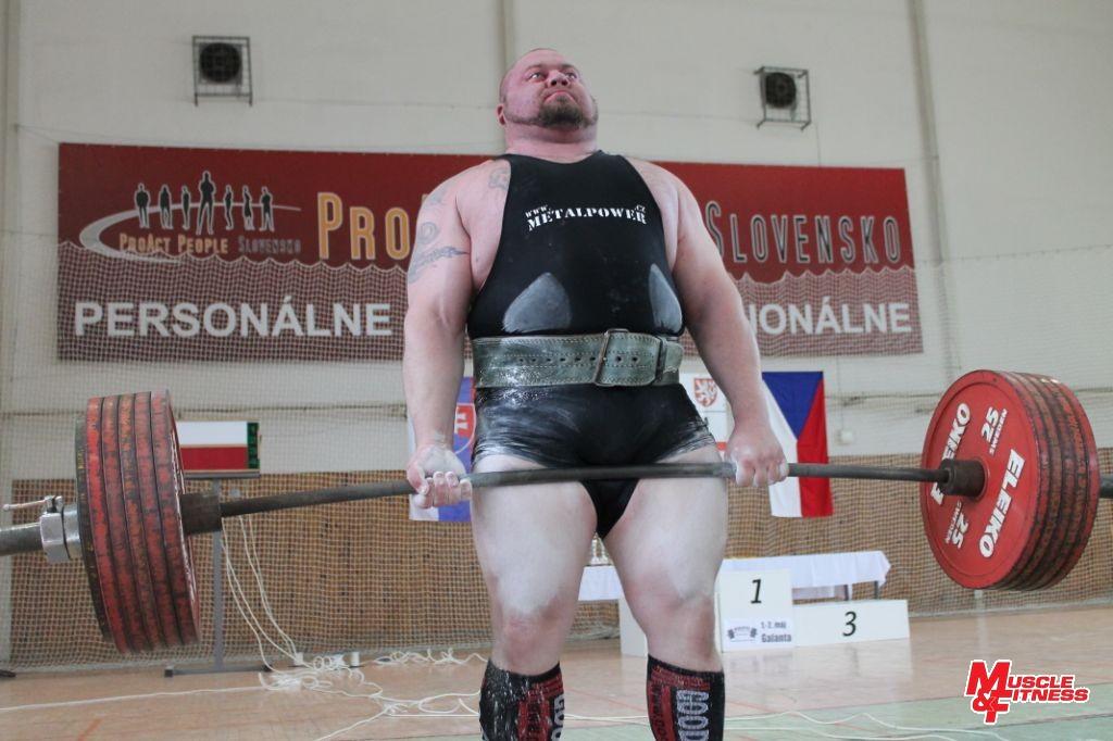 Václav Češka, absolútny víťaz zápolenia open v equip divízii. Zároveň i pretekár s najvyšším trojbojom šampionátu 1035 kg.