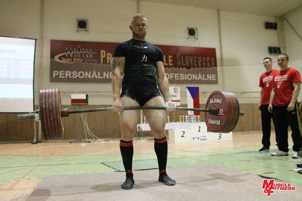 Jiří Tkadlčík, absolútny víťaz kategórie open v raw divízii.