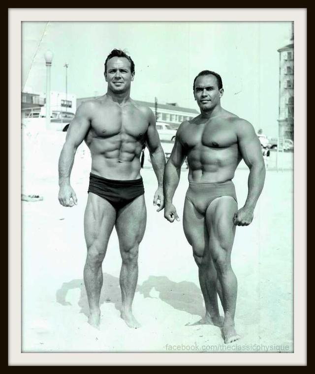 Elmo Santiago a Zabo Koszewski vlevo