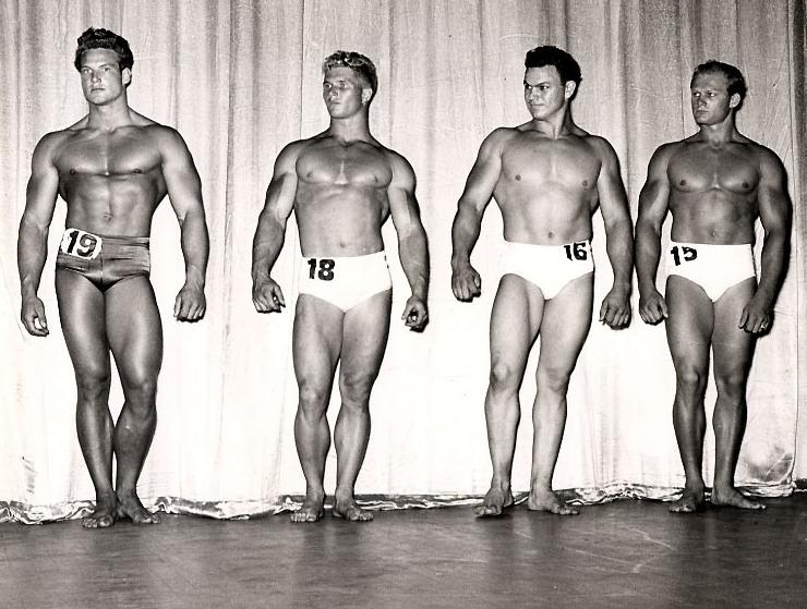 MR. AMERICA 1947 - Steve Reeves č. 19, Erik Pedersen č. 18