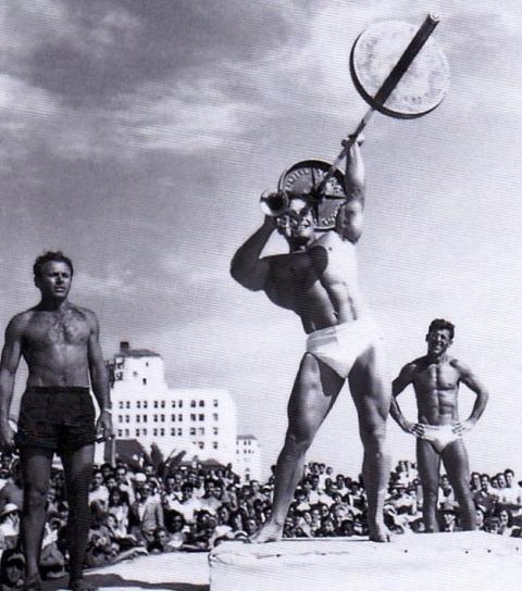 George Eifferman na Muscle Beach