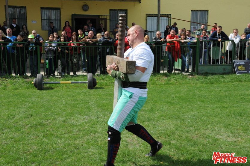 Ľubomír Griglák (nosenie meča)
