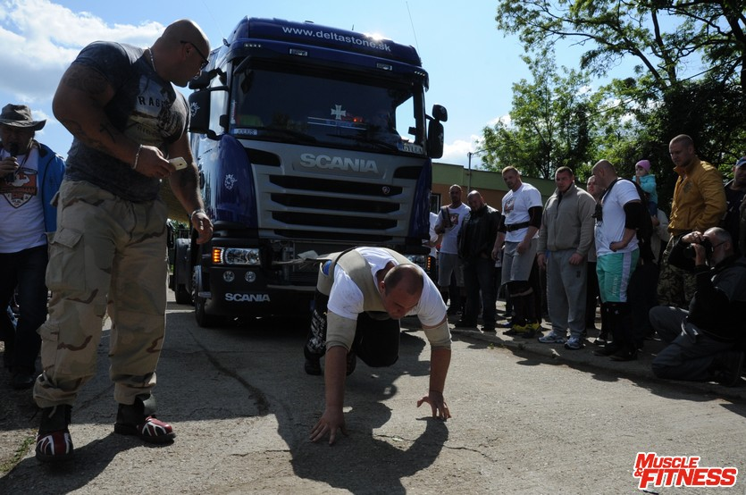 Tomáš Piros (ťahanie kamióna)