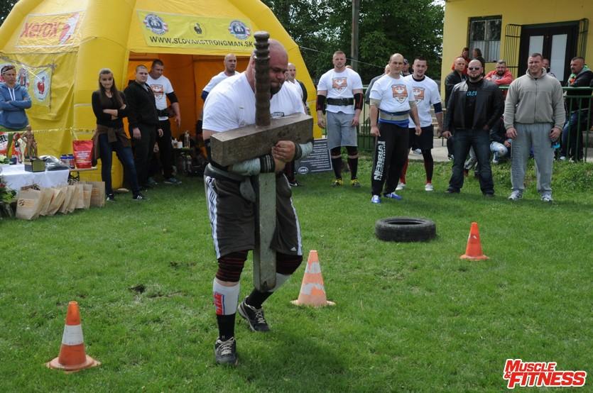 Milan Šuľan (nosenie meča)