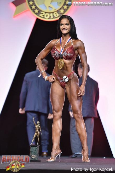 Olivia Pohankova overall