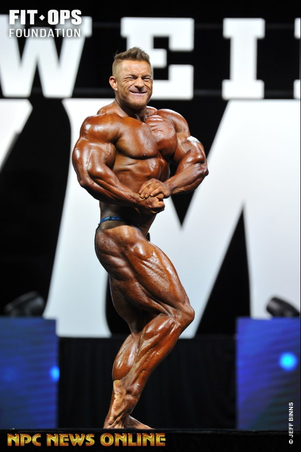 Flex Lewis side