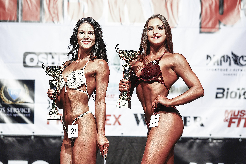 Fitness žien: 2. Silvia Belánová, 1. Lucia Michalovičová Foto Ivan Pavlisko