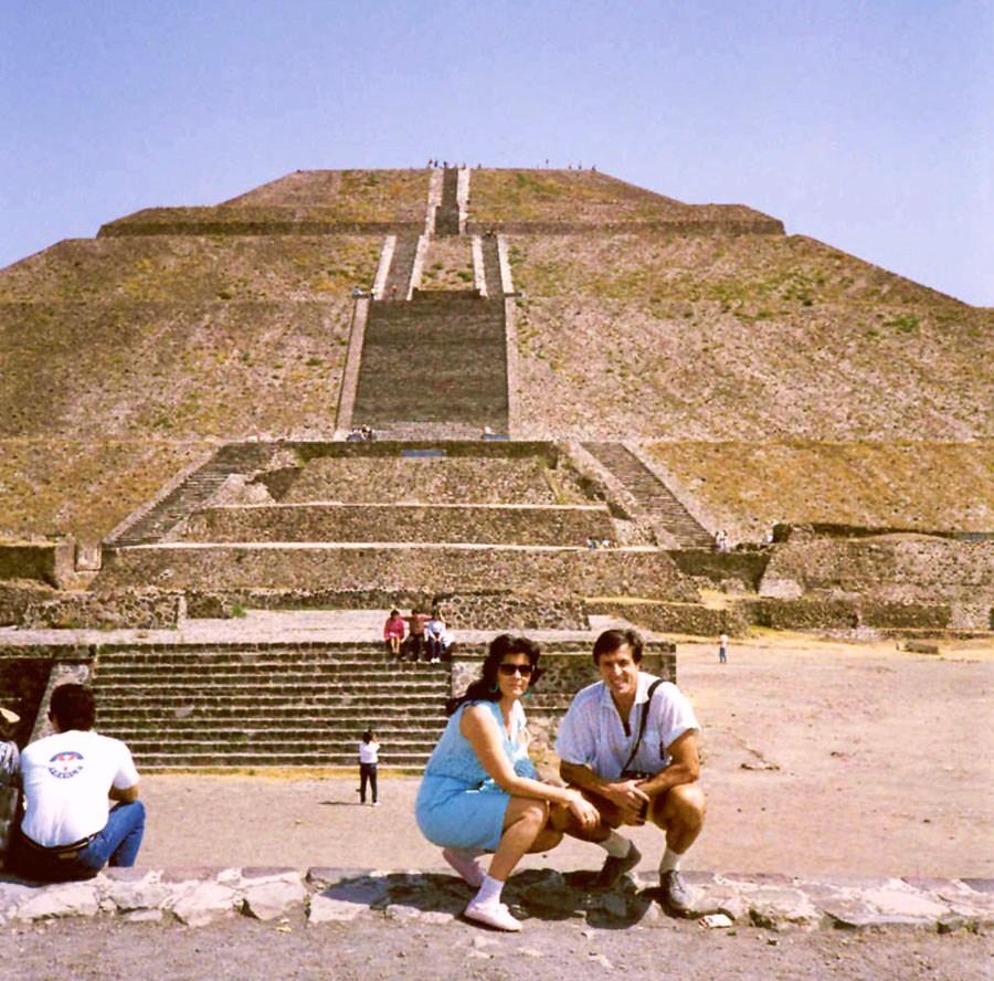 s mojou mamou pri pyramidach v Egypte