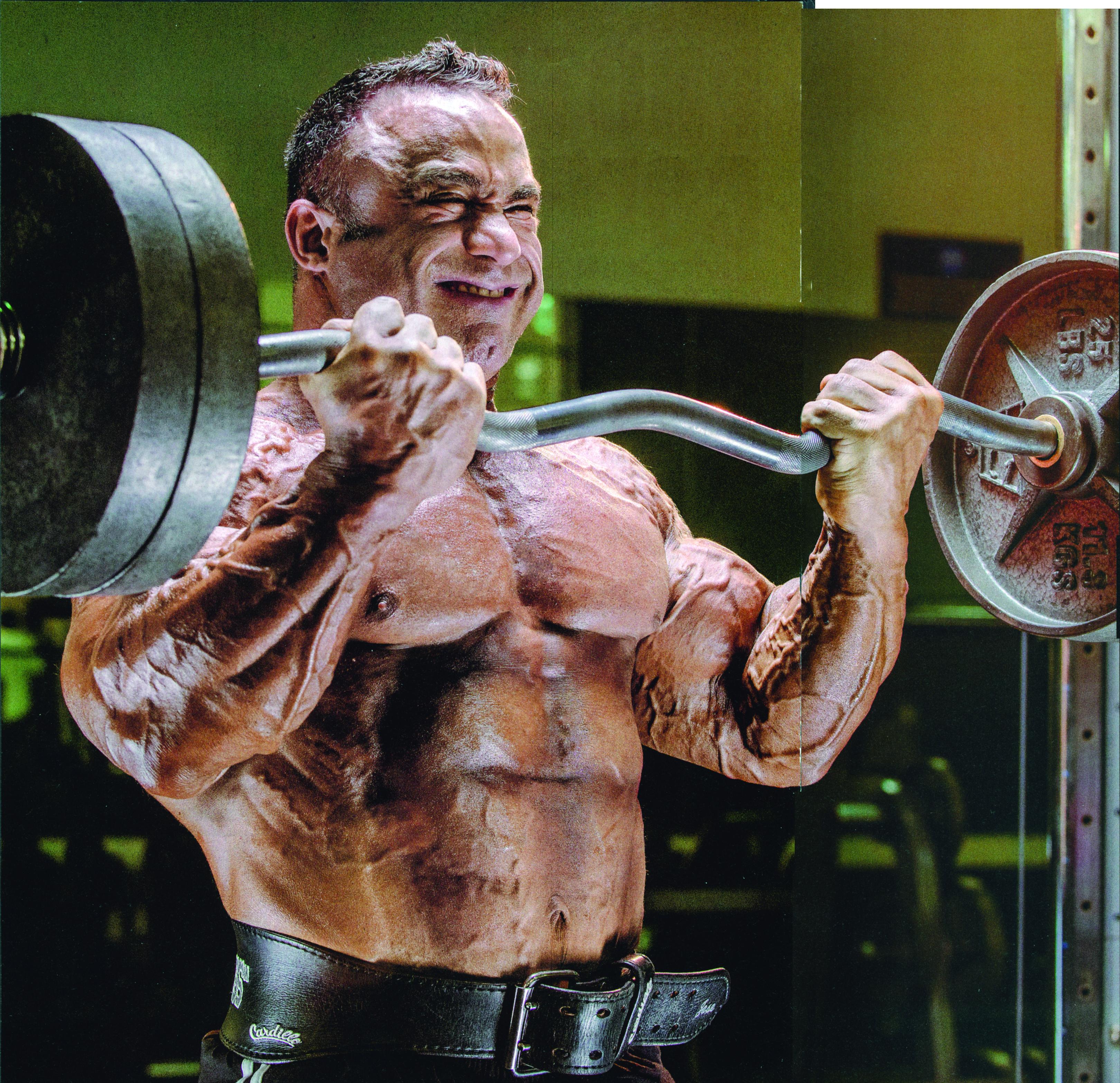 foto trénink pro větší biceps i triceps