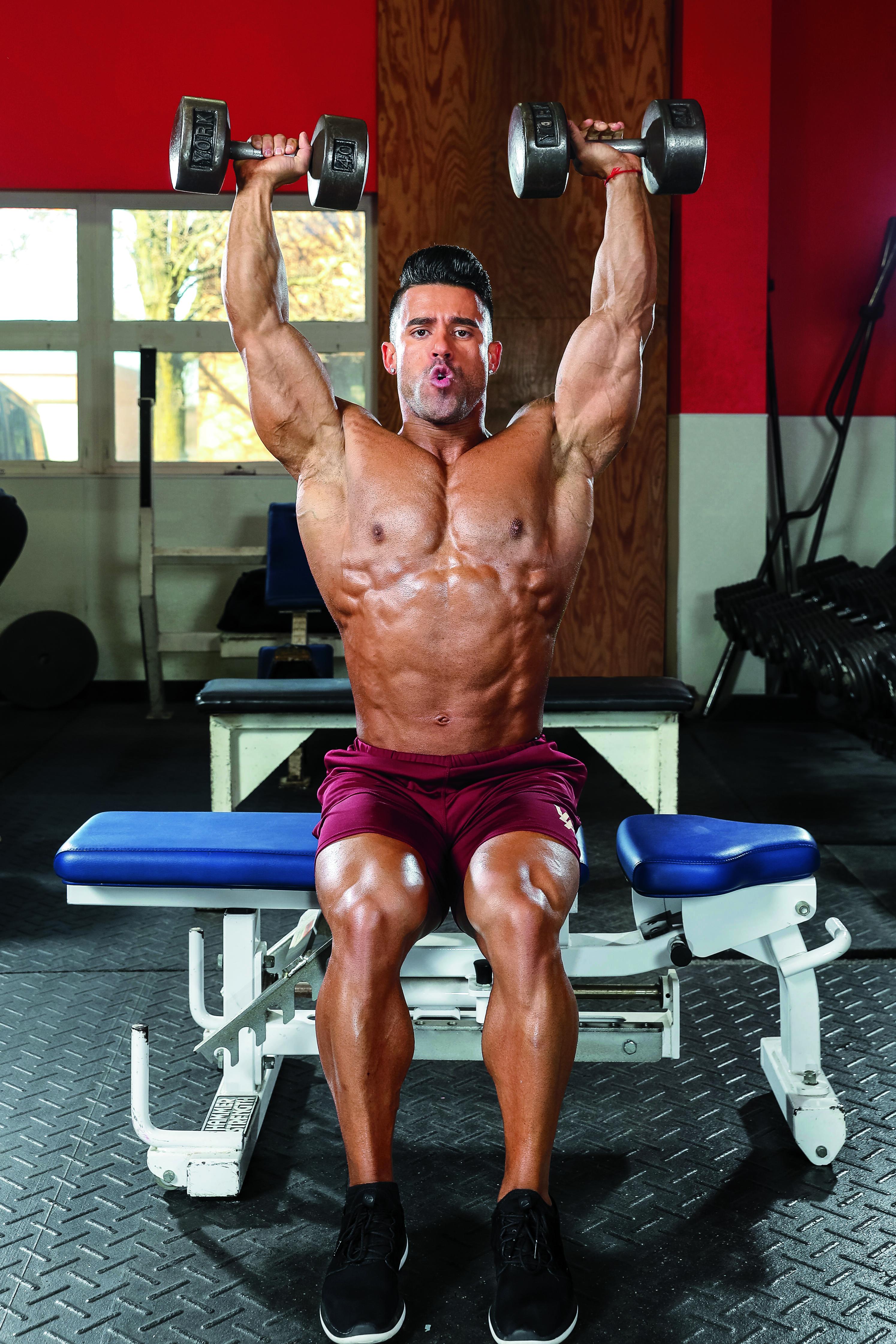 foto trénink na ramena