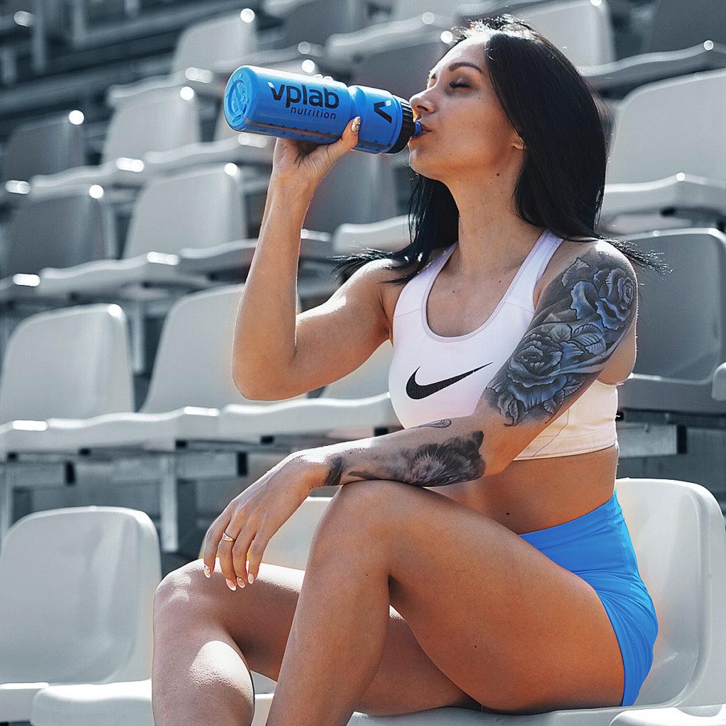 voda, hydratacia, trening, tekutiny, pitny rezim, kolko treba pit, kolko vody vypit za den