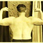 Hise, dvojitý biceps zezadu